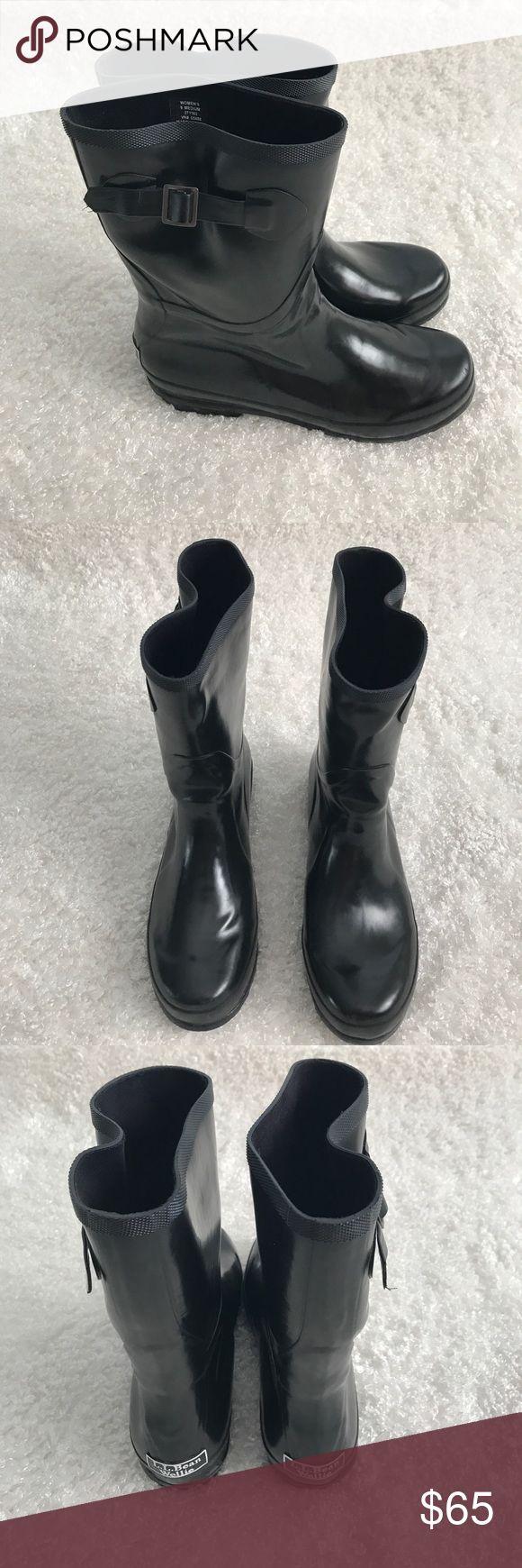 L.L. Bean Short Wellie Boots EUC. Women's Size 9. L.L. Bean Shoes Winter & Rain Boots