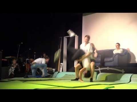 ▶ Gard, Mads og Mattis - karateshow fra Åpen dag 2014
