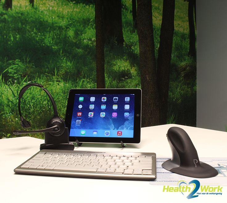 Ergonomisch werken met een headset, compact toetsenbord en verticale muis