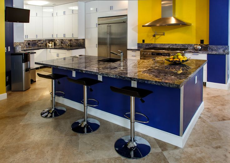 Beautiful Matching Blue Granite Kitchen Island #kitchen #countertop #counter #island #home #luxury #luxuryhome #delraybeach #southflorida #bocaraton #natureofmarble #blue #bluebahia #granite #island