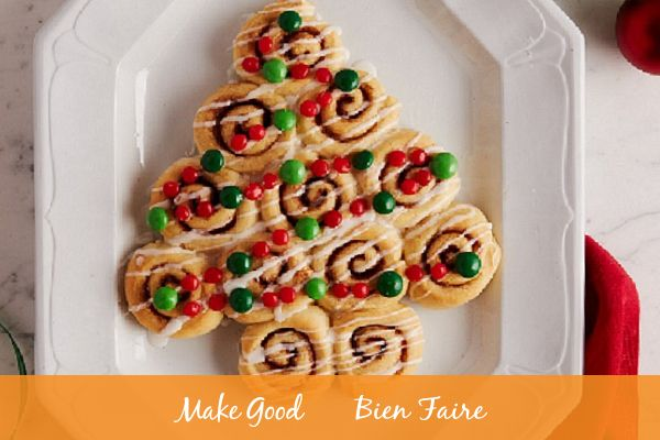 These Christmas Tree Cinnamon Rolls are so much fun to make with the kiddos and even tastier to eat 🎄😋 Important: when picking out the candy that you want to decorate your cinnamon roll tree with, don't forget to pick up a few extras...to account for snacking because who are we kidding? #baking #makegood #recipe