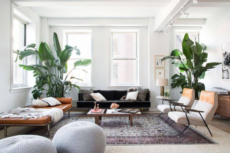 This newest project is a level 10 mega-babe so GIRD YOUR LOINS YOU GUYS. Our CEO @noa_santos designed the @sweetgreen founders' SoHo apartment and we're all already in line to move in, so do yourself the favor and get on over here with us (please bring snacks!). But if you can't make it, we've got the full tour up on the #HomepolishMag which you can see via the [LINK IN PROFILE✨]. Enjoy :) // Photo by @claireesparros.