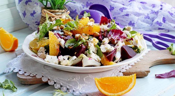 Салат со свеклой, апельсином и козьим сыром