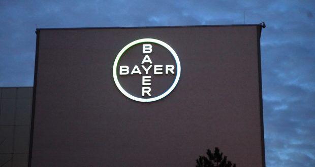 """Nun ist es also doch geschehen. Für 66 Milliarden Dollar übernimmt das NAZI-Nachfolge-Unternehmen Bayer (IG-Farben) die """"Drecksfirma"""" Monsanto, welche unsere Umwelt mit ihren Chemiekeulen in die Knie zwingt. Die Lachnummer: die EU will prüfen."""