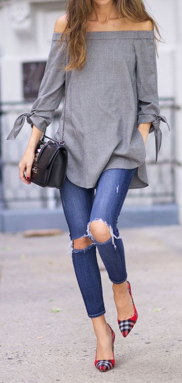 Street style, ripped jeans, red pumps, off the shoulder gray tunic