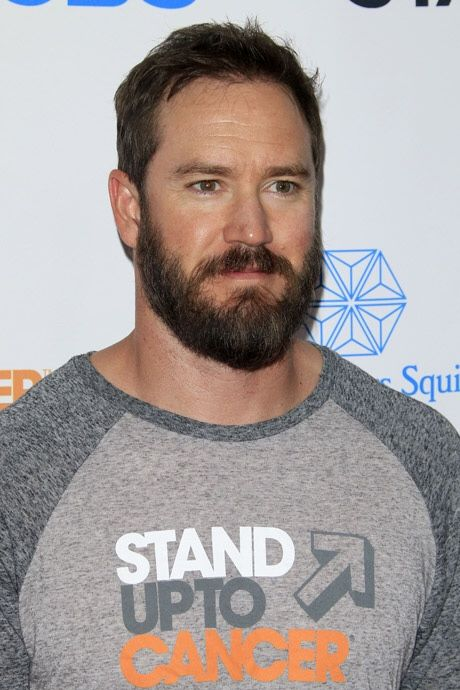 Mark Paul Gosselaar was he hot before? I guess so... is he now, with a beard? I don't know, only like about zillion times hotter?! :-O <3