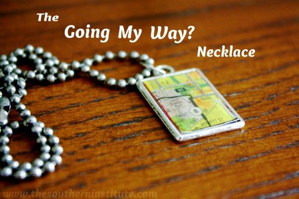 Easy DIY necklace!Crafts Gift, Jewelry Crafts, Diy Necklaces, Diy Crafts, Pendants Necklaces, Gift Ideas, Atlas Necklaces, Goingmyway Necklaces, Crafty Ideas