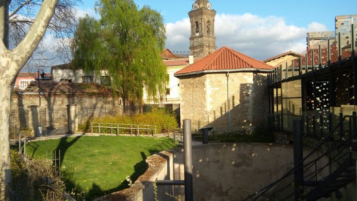 El descanso de la ciudad (Vitoria-Gasteiz) en si misma