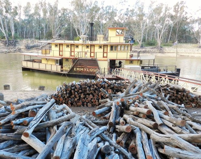 Echuca, Moama, Echuca-moama, things to do in Echuca, murray river holidays, Echuca long weekend, things to do on a long weekend, paddle steamer, paddlesteamer, port of Echuca, Melbourne long weekend, Mathoura, Torrumbarry,