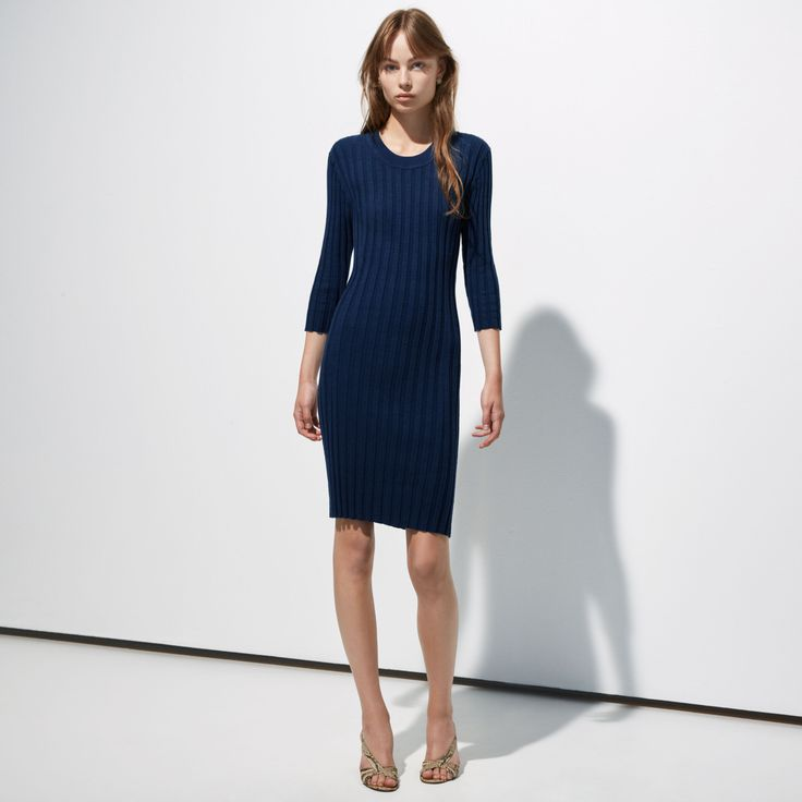 FWSS Woman´s Work is a stretchy, ribbed cotton dress.