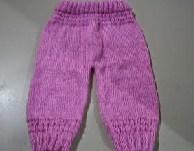 Calça feita com fio Bambini da Pingouin cor 1339 sereno( menos de 100 grs) ,  agulhas 3,5 Pontos utilizados : - meia avesso em tricô , ba...