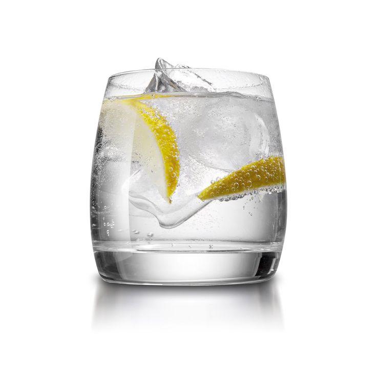 Rezept für Gin Fizz bei Essen und Trinken. Ein Rezept für 1 Person. Und weitere Rezepte in den Kategorien Alkohol, Getränke, Party, Einfach, Klassiker, Schnell, Cocktail, Longdrink.