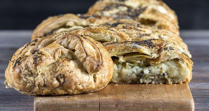 Πατατόπιτα από τον Άκη Πετρετζίκη. Φτιάξτε εύκολα και γρήγορα πίτα με πατάτες, μελιτζάνες, και πολλά λαχανικά μέσα σε τραγανό φύλλο σφολιάτας. Δοκιμάστε το!!