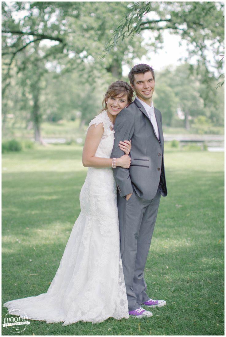 Madison Wedding Photography | Milwaukee Wedding Photography | Booth Photographics | Vintage outdoor ceremony with LOTS of DIY details