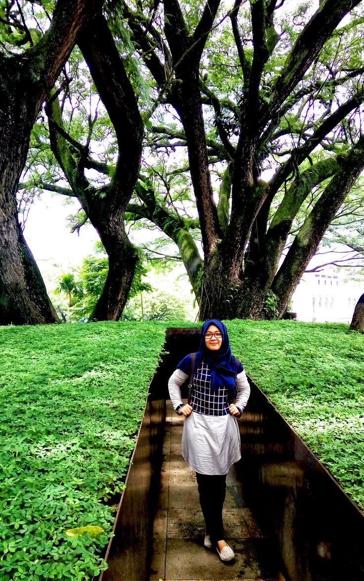 Taman labirin Balaikota Bandung