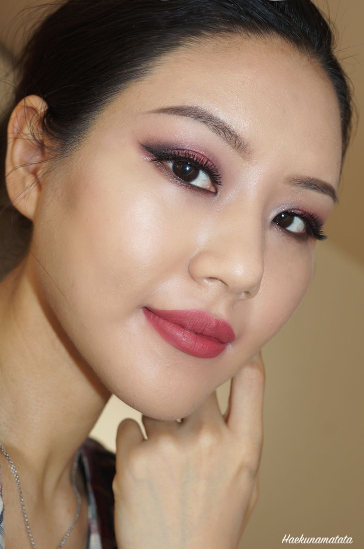 Burgundy Matte Stiletto Nails With Glossy Tips: 1000+ Ideas About Burgundy Makeup On Pinterest