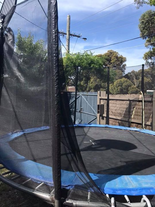 Free trampoline. Good condition, has rip in the net as you can see from the photo.  MUST be picked up by end of next weekend.  Located in Mentone. #rangloo, #bar, #accessories