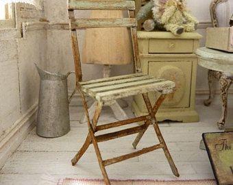Silla miniatura, madera y papel, imitación oxidado metal, jardín romántico, jardín de invierno, terraza, casa de muñecas, escala 1: 12