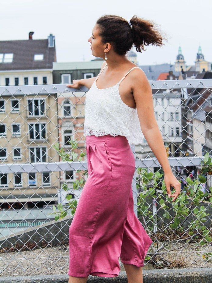 Pinke Culottes kombinieren Outfit im Trend: Fashionblogger Look Lookbook, Ootd, Stylingtipps