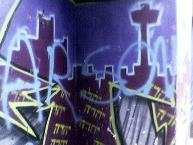 Graffiti seen on School Lane, Nov 2004