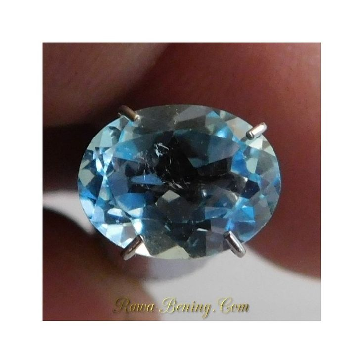 Jual Permata Sky Blue Topaz Bersinar Ramai Oval Cut 2.10 carat