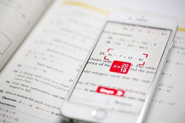 O companie croată a dezvoltat o aplicație pentru telefoane mobile care recunoaște operațiuni matematice cu camera și le rezolvă în câteva secunde