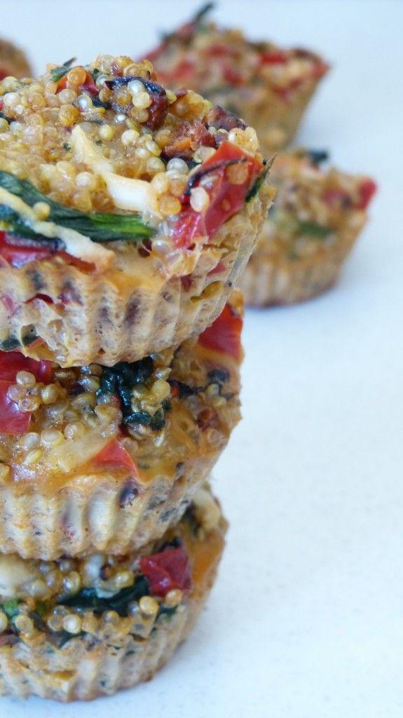 """Muffins"" quinoa au poivron rouge, épinards et chorizo sur latassefumante.com"