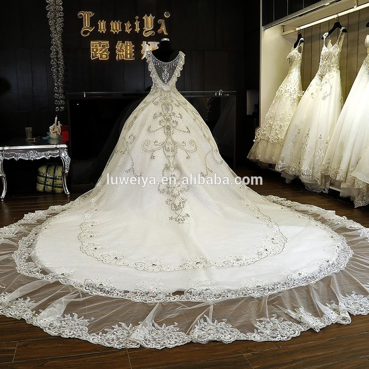 Lovely  Hot Sale Long Train Heavy Hand Bead real sample Luxuy wedding dresses with diamonds and