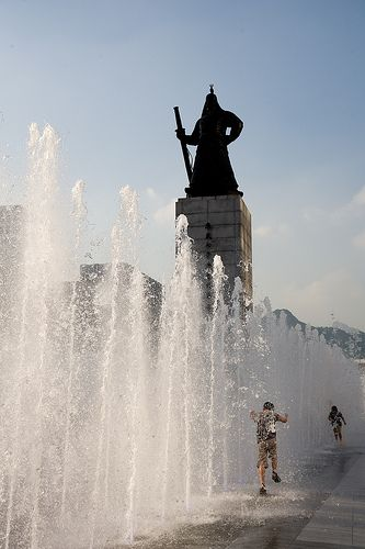 Statue of Admiral Yi Sun-sin at Gwanghwamun Water Fountain in Seoul