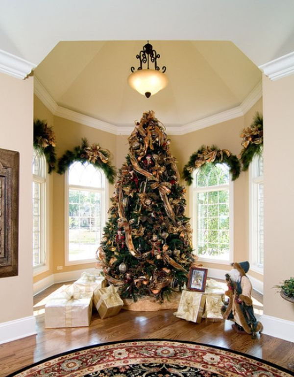 christmas-tree-somtuous Like the. Greenery over the arched window frames
