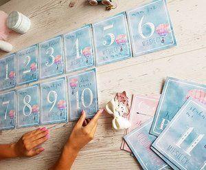 """Dzieci rosną zdecydowanie za szybko!👼 Warto zachować wspomnienia z pierwszych miesięcy na zdjęciach 📷📸 Pierwsza kolekcja kart do zdjęć """"Miś w balonie"""" już prawie gotowa.🐻🎈 Kolejne projekty pokażemy wkrótce😊 #kartydozdjec #milestone #milestonecards #uchwyćmoment #ulotnechwile #babyshower #babycards #noworodek #babyroom #babyborn #baby #pregnant #instadziecko #instamatki #instamom #miswbalonie #miś #dekoracjedopokojudziecka #noworodek #narodziny #newborn #cards #monthscards #bornin2017…"""