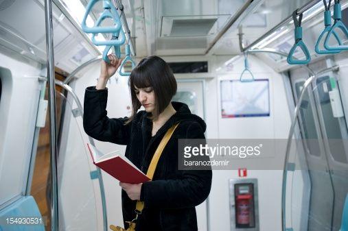 reading in train standing - Szukaj w Google