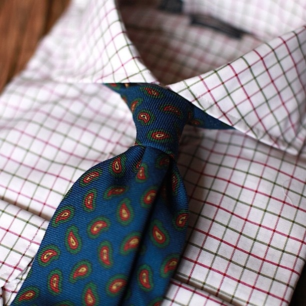 Thinking about fall shirt and tie combos today. Especially ...