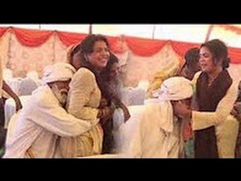 Pakistani Desi  Wedding Punjabi Tharki BABA dance with Gori Girl 2017