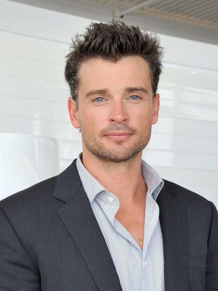 welling men Tom welling caught in new gay scandal  of course kissing men is nothing new to him i loved the look  i worked with welling at the height of his smallville.