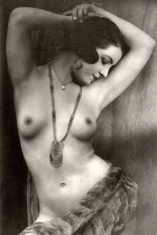 Elizabeth banks nude pic free-7979