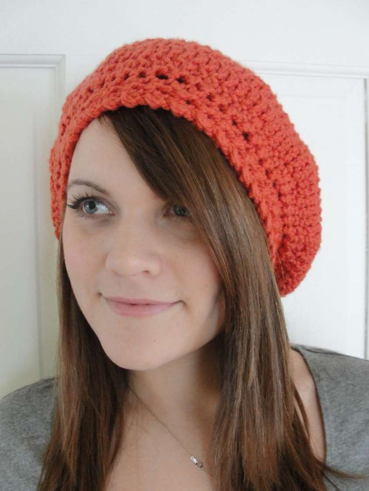 Cappello a uncinetto: schemi e modelli - Basco color corallo