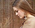 серьги из дерева #Vedenina Design #аксессуары #деревянные #узоры #девушка
