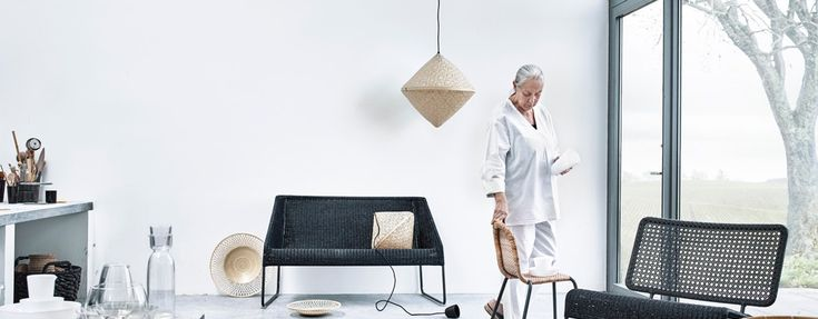 I samarbete med formgivaren Ingegerd Råman lanserar IKEA den 20 maj en unik samling möbler, keramik och glas under namnet VIKTIGT. Livet Hemma fick chansen att samtala med Ingegerd på dagens pressvisning.