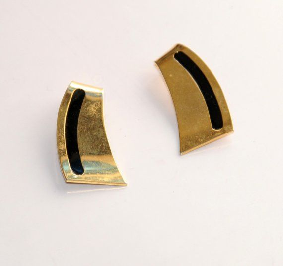 Gold and black vintage earring clip back from'70 by Elefanteblanco, $4.99