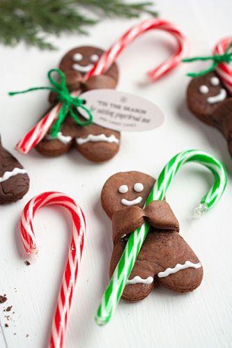 100 biscotti di Natale. Omini di pan di zenzero al cioccolato