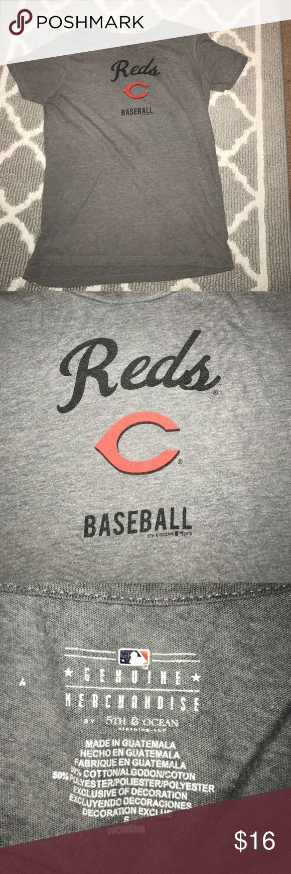 Cincinnati Reds Baseball Tee, Women's Small Authentic MLB merchandise, only worn a couple times, and soft! Old Navy Tops Tees - Short Sleeve