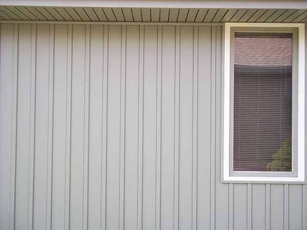 Discover Liberty Board & Batten Vertical Vinyl Siding! Create a beautiful exterior style for your home with our Board & Batten Vinyl Siding.