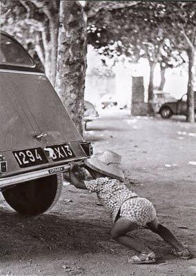 2cv www.vintageroadtrips.com • citroen 2CV