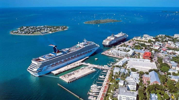 Русские туристы клуба inCruises ,на экскурсии по острову Ки Уэст, Флорид...