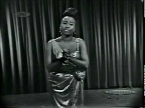 "Celia Cruz - Guantanamera.  Celia Cruz, ""La Reina de la Salsa"", interpretando Guantanamera.  . One of the most popular salsa artists of the 20th century, she earned twenty-three gold albums and was renowned internationally as the ""Queen of Salsa"" as well as ""La Guarachera de Cuba.""[1]"