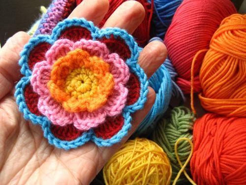 Crochet Flowers Tutorial By Carmen Heffernan : 17 Best images about Flowers / Leaves / Vines Crochet on ...