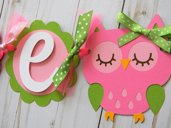 Welcome to Sweetheart Party Shop! This banner is perfect to hang on a high chair or in a small space! This listing is for a high chair/mini banner that reads ONE. Let me know in the notes section if you need another number. Banner is created with premium cardstock, ribbon and