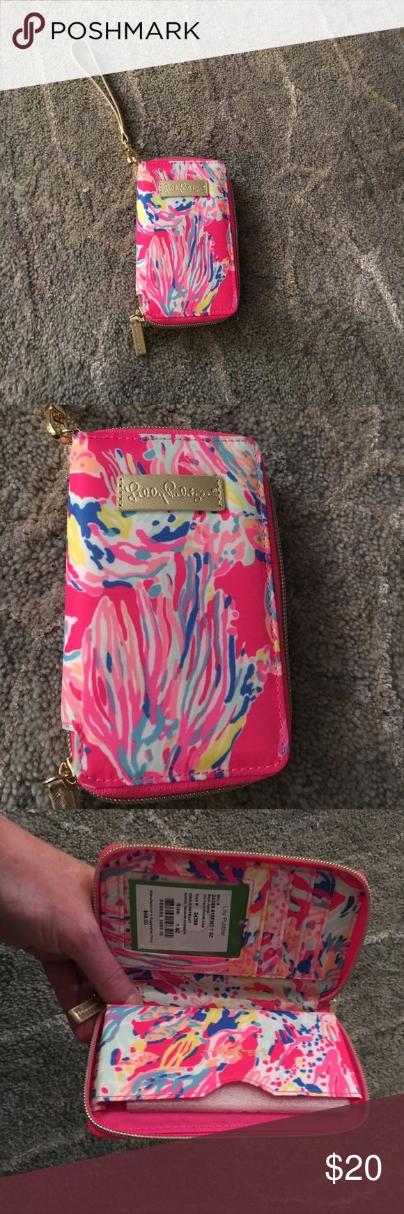 Lilly Pulitzer tiki palm phone case dragon fruit Brand-new with the tag Lilly Pulitzer Accessories Phone Cases