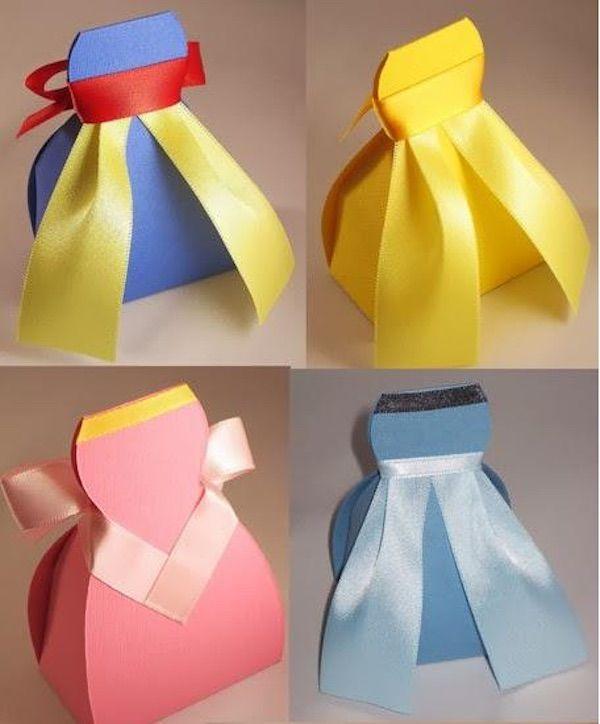 Imprime gratis la plantilla para realizar cajitas para regalo en forma de vestido. Ideales como recuerdos para fiestas de princesas, hadas, bodas, comunión.